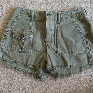 AEO olive green cargo shorts